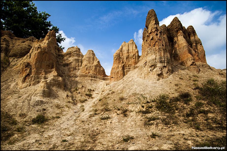 piaskowe piramidy