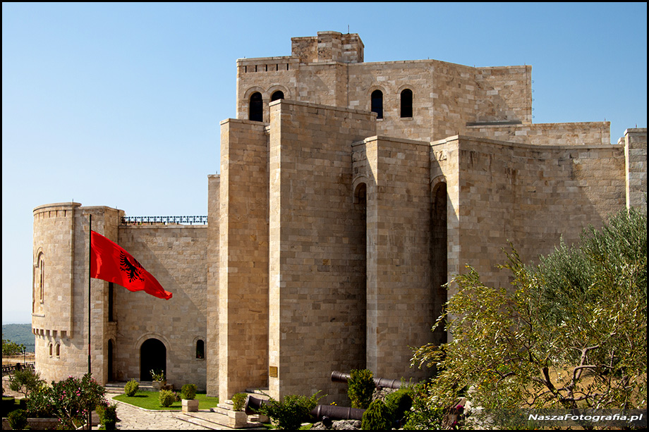 Albania-Kruje-20120822_221